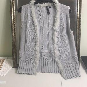 Allie & Rob Faux fur sweater vest Sz S